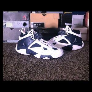 Clean Cool Retro Jordan's Men's Size 12